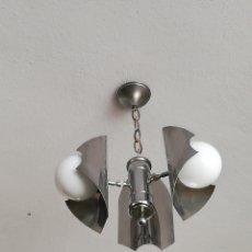 Vintage: BUENA LAMPARA EN METAL CROMADO Y OPALINA VINTAGE SPACE AGE ORIGINAL AÑOS 70. Lote 183198468