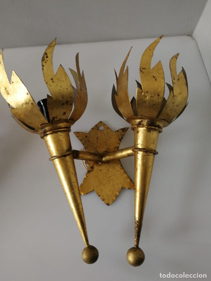 Vintage: Pareja de apliques de antorcha dorados con llamas - Foto 5 - 184100060