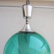 Vintage: LAMPARA VINTAGE TECHO BOLA - ESFERA GLOBO CRISTAL VERDE ESMERALDA. Lote 184723186