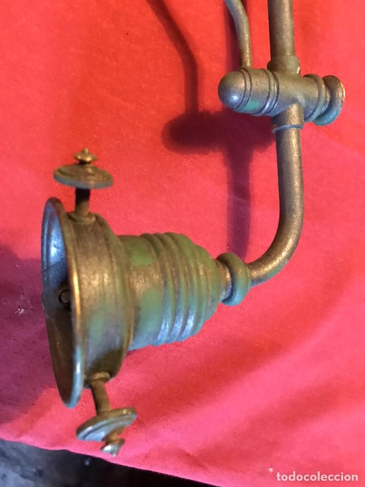 Vintage: Lámpara de billar de bronce con tulipas de opalina - Foto 8 - 184917416