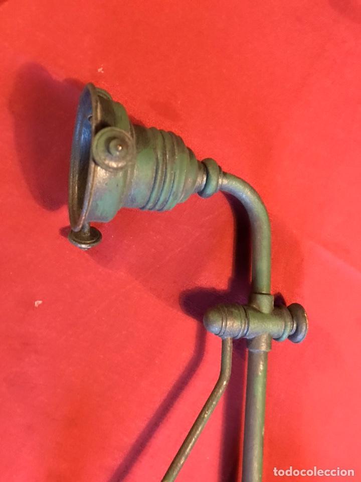 Vintage: Lámpara de billar de bronce con tulipas de opalina - Foto 9 - 184917416