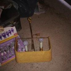 Vintage: 2 LAMPARAS DE PARED.CADA UNA DOBLE BOMBILLA. METAL DORADO Y TULIPA. DOS UNIDADES. Lote 189236030