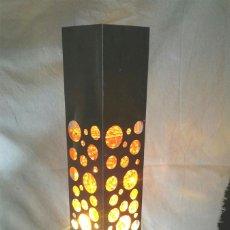 Vintage: LAMPARA SOBREMESA AÑOS 70 VINTAGE, MOVIMIENTO. MED. 7 X 7 X 38 CM. Lote 191626037