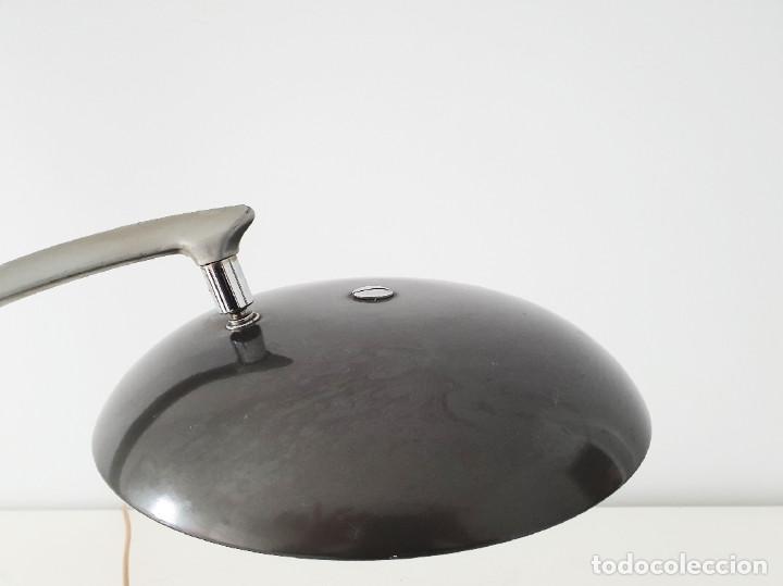 Vintage: Lámpara Fase modelo Boomerang 64 color gris plateado - Foto 11 - 191665913
