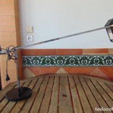 Vintage: LAMPARA DE SOBREMESA HALOGENA EN NEGRO TIPO CISNE O SIMILAR DE LA MARCA FASE . Lote 194342762
