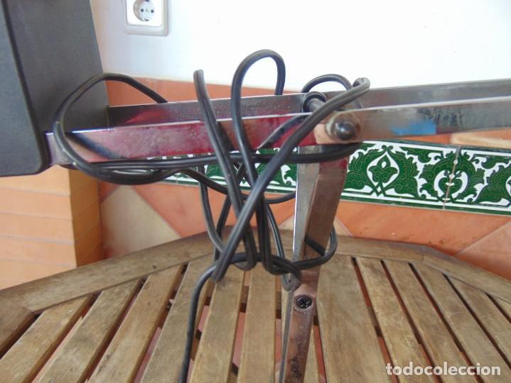 Vintage: LAMPARA DE SOBREMESA HALOGENA EN NEGRO TIPO CISNE O SIMILAR DE LA MARCA FASE - Foto 3 - 194342762