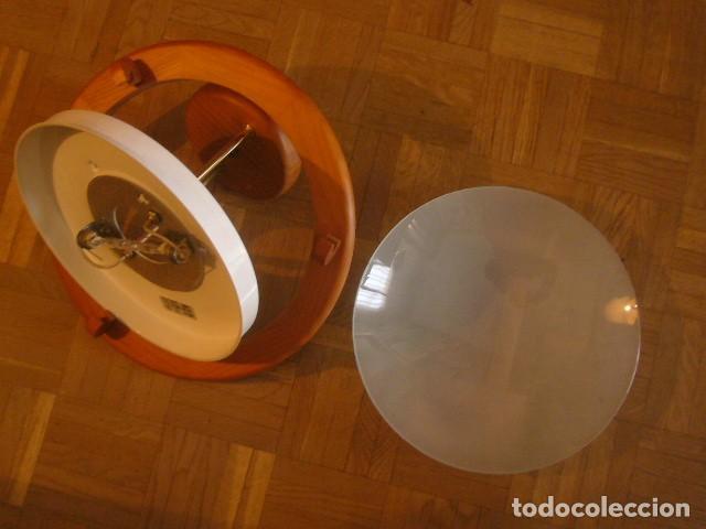 Vintage: LAMPARA DE TECHO DE MADERA Y VIDRIO (DIAMETRO 36 CM) - Foto 2 - 194402855