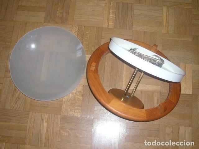 Vintage: LAMPARA DE TECHO DE MADERA Y VIDRIO (DIAMETRO 36 CM) - Foto 4 - 194402855
