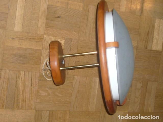 Vintage: LAMPARA DE TECHO DE MADERA Y VIDRIO (DIAMETRO 36 CM) - Foto 7 - 194402855