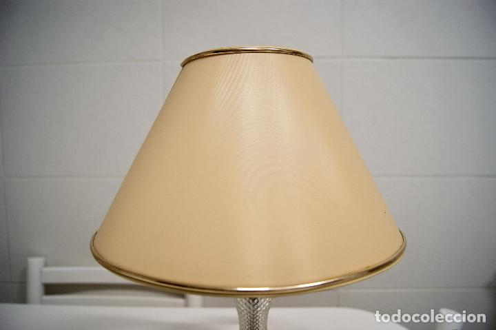 Vintage: Lámpara sobremesa en madera y pieza en cristal - Foto 2 - 194405811