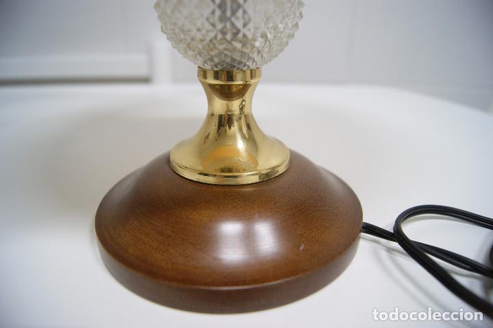 Vintage: Lámpara sobremesa en madera y pieza en cristal - Foto 5 - 194405811