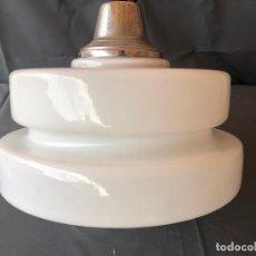 Vintage: GRAN LAMPARA VINTAGE CRISTAL OPALINA BLANCO DISEÑO NORDICO AÑOS 70 35 CM DIAMETRO . Lote 194937913