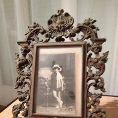 Vintage: MARCO PORTAFOTOS ANTIGUO EN BRONCE.. Lote 194944497