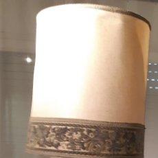 Vintage: LAMPARA DE PIE VINTAGE CON PANTALLA. Lote 194944913