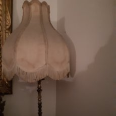 Vintage: LAMPARA SOBREMESA CON PANTALLA. Lote 194945160