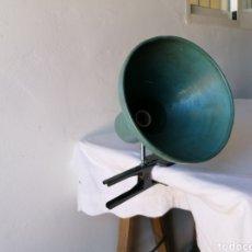 Vintage: FOCO DE PINZA INDUSTRIAL. Lote 195011178