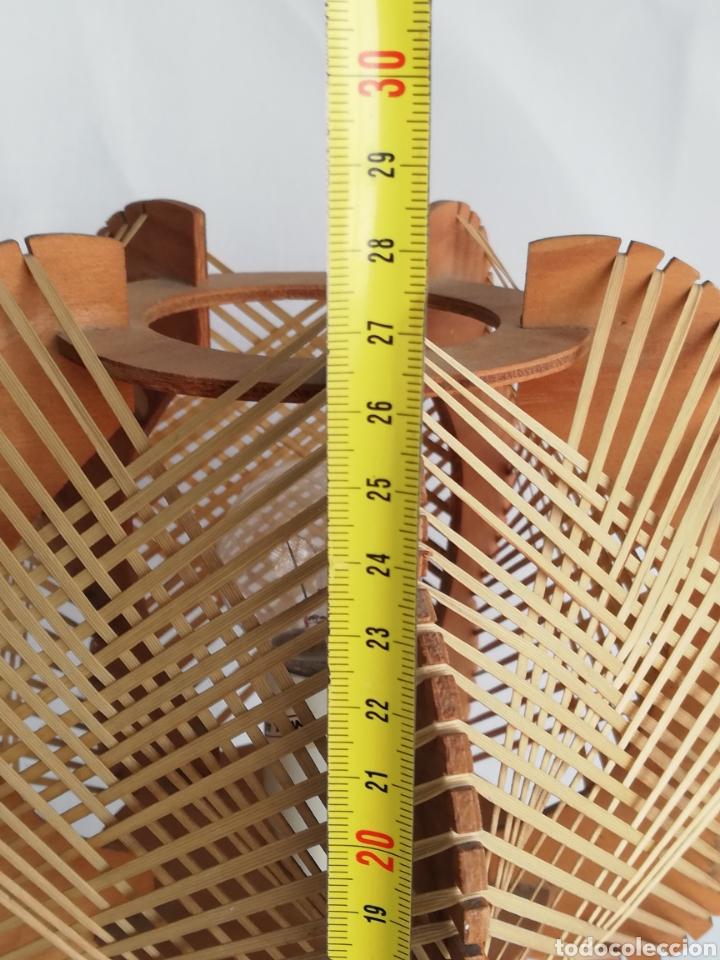 Vintage: Lampara de mesa Nordica en madera y rafia vintage años 70 - Foto 4 - 195184962