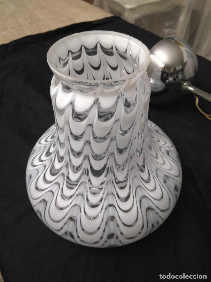 Vintage: Lámpara de techo con 3 tulipas cristal transparente y blanco - Foto 4 - 195321800