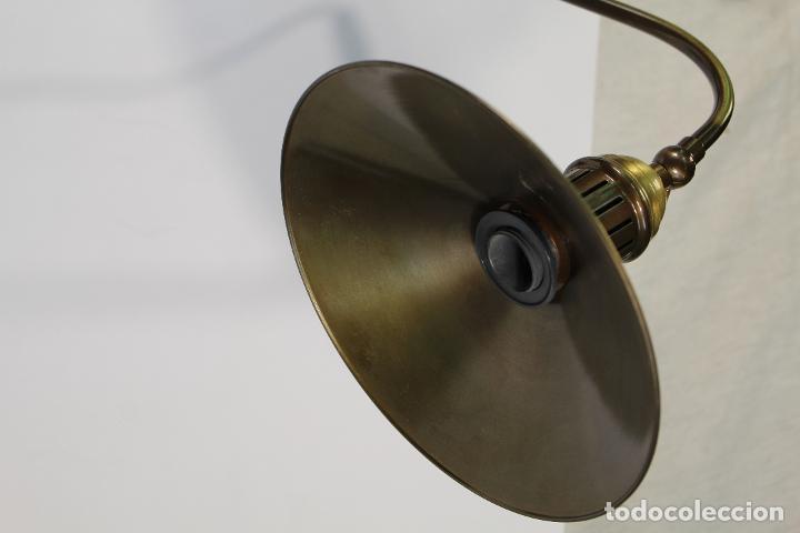 Vintage: flexo lampara de sobremesa en metal dorado - Foto 2 - 195347415
