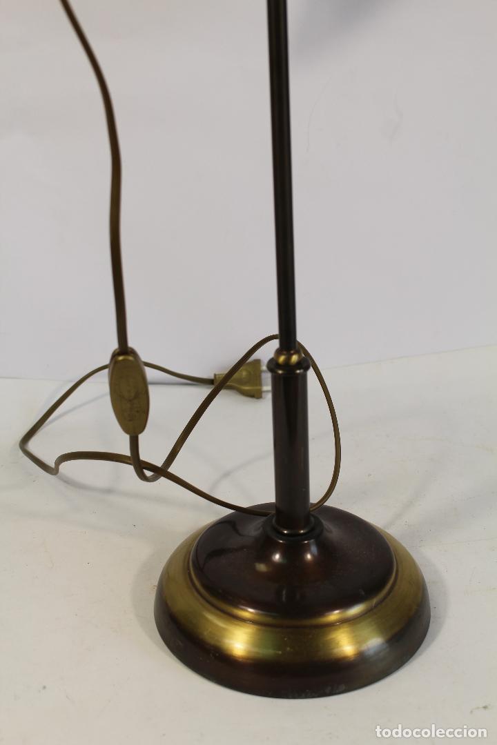Vintage: flexo lampara de sobremesa en metal dorado - Foto 3 - 195347415