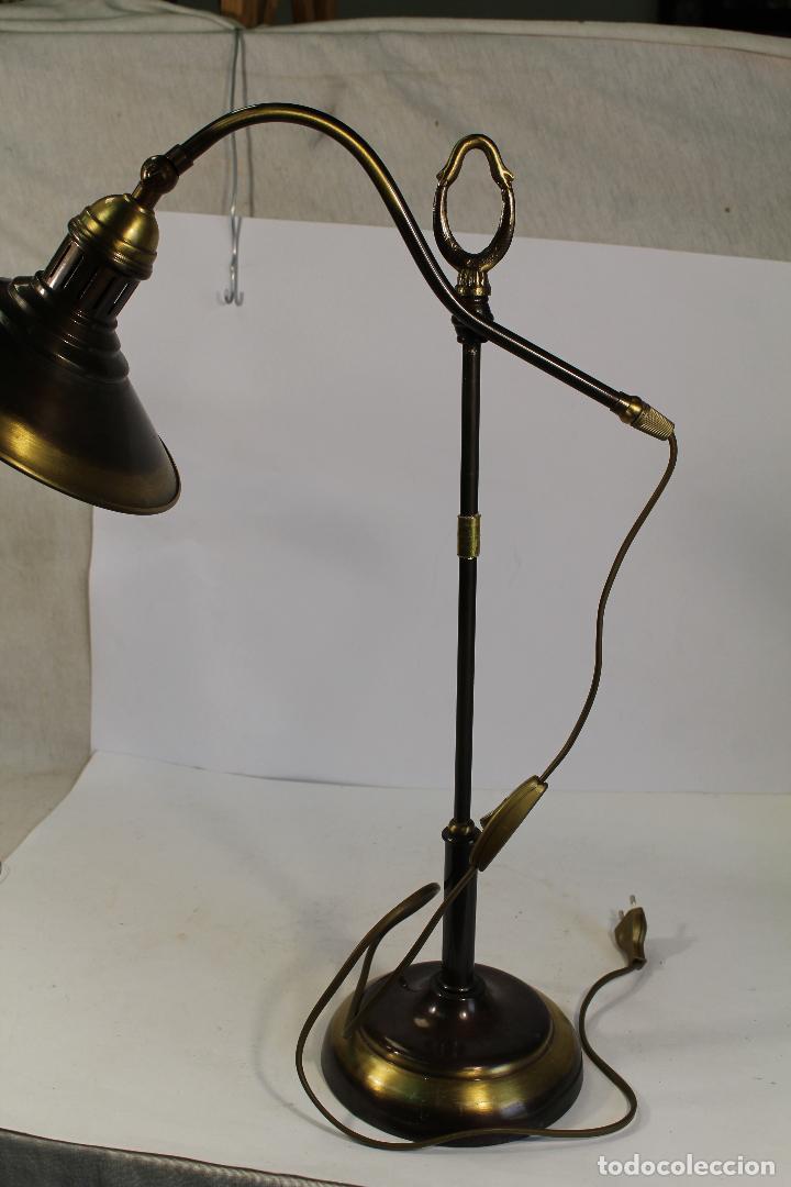 Vintage: flexo lampara de sobremesa en metal dorado - Foto 5 - 195347415