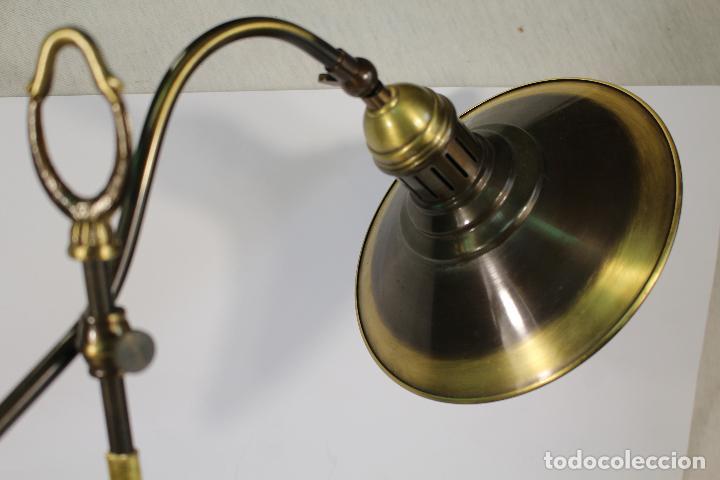 Vintage: flexo lampara de sobremesa en metal dorado - Foto 6 - 195347415