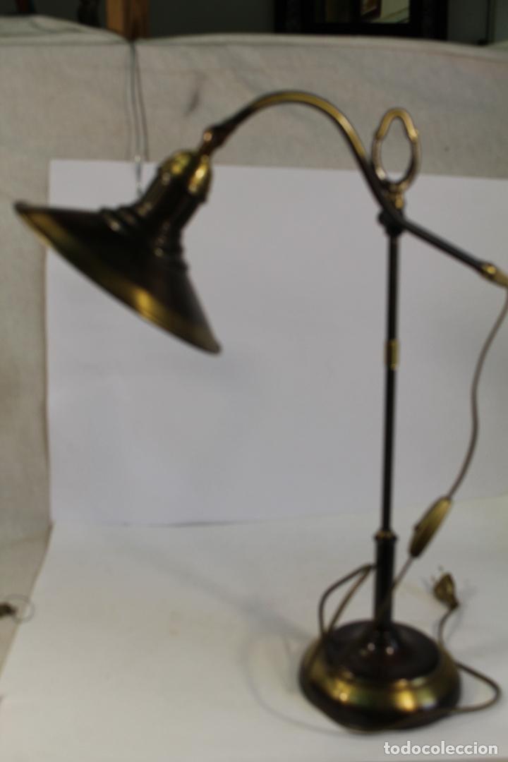 Vintage: flexo lampara de sobremesa en metal dorado - Foto 7 - 195347415