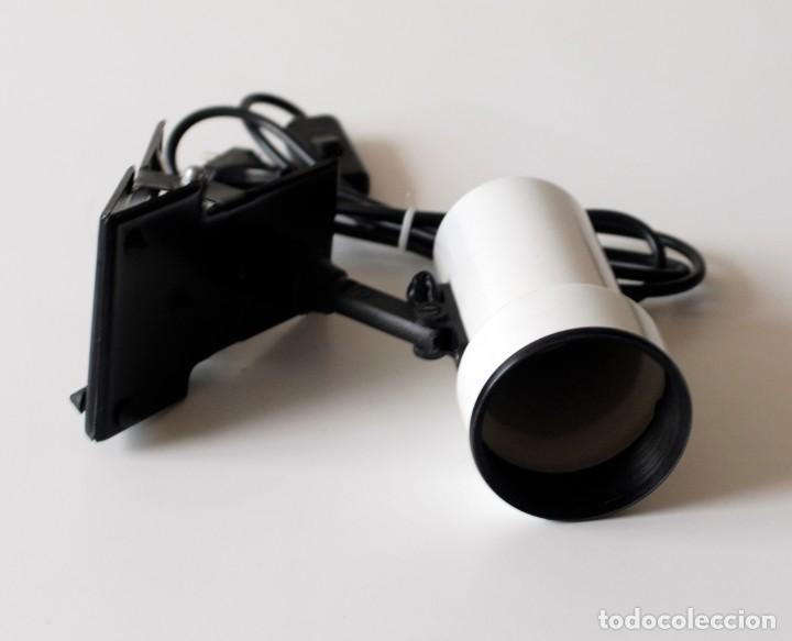 Vintage: Lámpara de pinza, foco orientable. De metal esmaltado. El foco mide 13 cm de largo y 7,5 cm de diám. - Foto 4 - 195355546