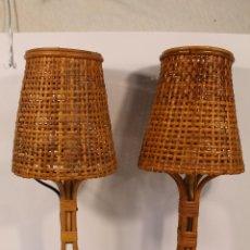 Vintage: PAREJA DE LAMPARAS DE MESA EN BAMBÚ. Lote 195448506
