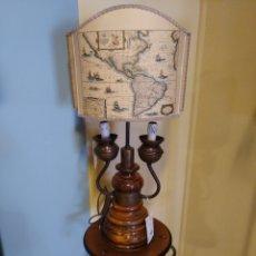 Vintage: LAMPARA DECORATIVA DE MADERA. Lote 195462572