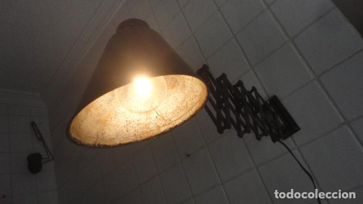 Vintage: ANTIGUA LAMPARA FLEXO EXTENSIBLE.METAL Y BAQUELITA.RETRO VINTAGE INDUSTRIAL AÑOS 30.40 - Foto 2 - 195493120
