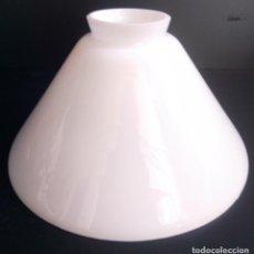 Vintage: TULIPA LAMPARA EN CRISTAL DE OPALINA BLANCA. Lote 196566793