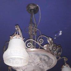 Vintage: LAMPARA DE TECHO ART-DECO AÑOS 30 EN CRISTAL Y FORJA,FUCIONANDO. Lote 204502120