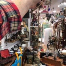 Vintage: LAMPARA VINTAGE CON TULIPA PLATILLO DE OPALINA BLANCA - MEDIDA DIAMETRO 19,5 CM. Lote 205088513