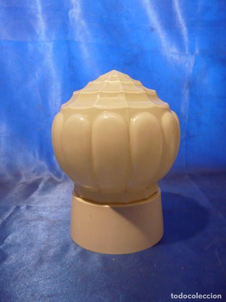 LAMPARA ART DECO (HAAGSE THABUR) CON TULIPA OPALINA Y BASE EN BAQUELITA EN COLOR CREMA (Vintage - Lámparas, Apliques, Candelabros y Faroles)