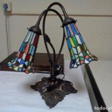 Vintage: LAMPARA TIFFANY LA JOYA DE COLOR, BASE BRONCE. Lote 207397818