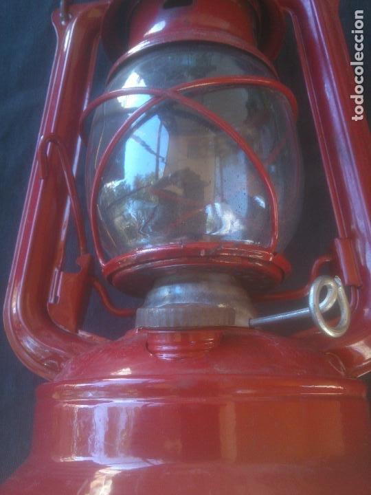 Vintage: Lámpara-farol vintage de parafina, marca Meva modelo 864, color ROJO. - Foto 2 - 209885680