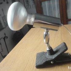 Vintage: ANTIGUA LAMPARA O FOCO DE PINZA ORIENTABLE.MARCA MACIA. AÑOS 60?. Lote 213430825