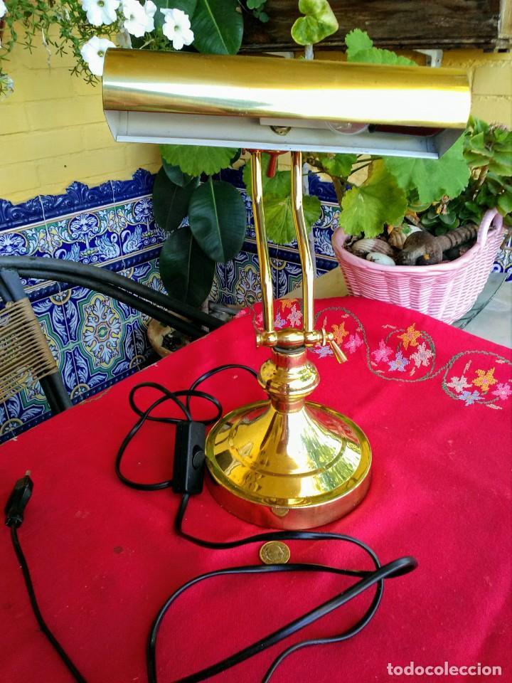 LÁMPARA DE ESCRITORIO DORADA (Vintage - Lámparas, Apliques, Candelabros y Faroles)
