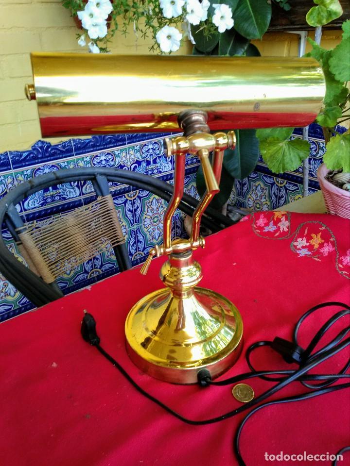 Vintage: Lámpara de escritorio dorada - Foto 2 - 213470556
