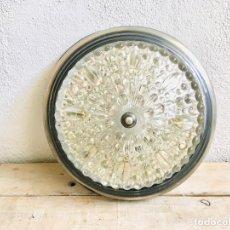 Vintage: PLAFON DE METAL CROMADO PARA BAÑO O HALL LAMPARA DE TECHO VINTAGE AÑOS 80 CON TULIPA DE CRISTAL. Lote 212180731