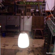 Vintage: ANTIGUA LAMPARA CON TULIPA CRISTAL OPALINA FUNCIONANDO. Lote 216654390