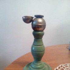 Vintage: LAMPARA ANTIGUA XIX DE MADERA PINTURA ORIGINAL 19 ALTO POR 10 DE BASE PRECIOSO. Lote 217444388