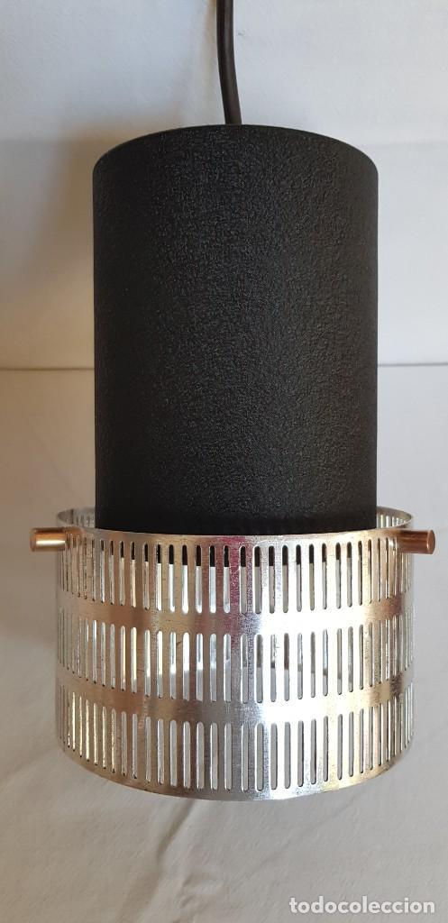LAMPARA-FOCO COLGANTE ERA PARA MOSTRADOR DE TIENDA. AÑOS 60 (Vintage - Lámparas, Apliques, Candelabros y Faroles)