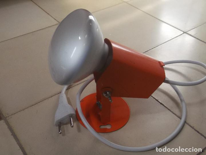 Vintage: Aplque IEP orientable color naranja con cable y enchufe originales. - Foto 4 - 218764002