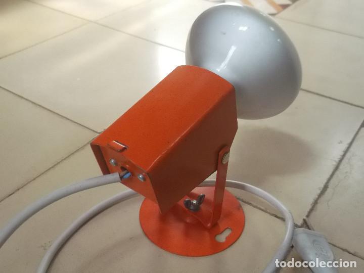 Vintage: Aplque IEP orientable color naranja con cable y enchufe originales. - Foto 5 - 218764002