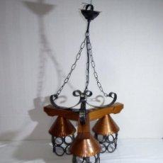 Vintage: LAMPARA RUSTICA DE TECHO DE HIERRO Y MADERA.42 X 50 CM.. Lote 219560582