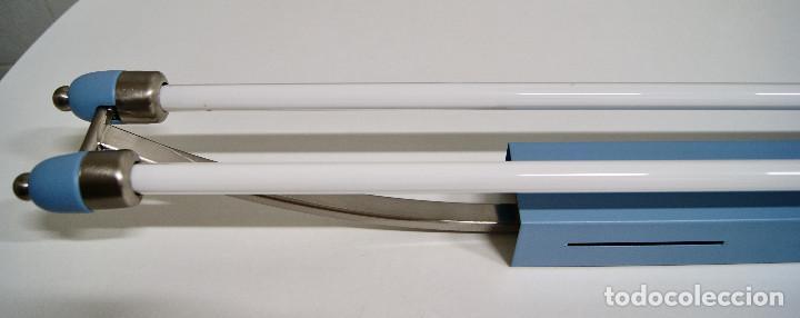 Vintage: plafón azul y niquel con fluorescentes alargado - Foto 3 - 220066225