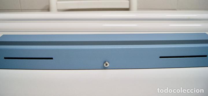 Vintage: plafón azul y niquel con fluorescentes alargado - Foto 8 - 220066225