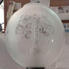 Vintage: LAMPARA SOBREMESA LATON PLATEADO QUINQUE. Lote 220526520